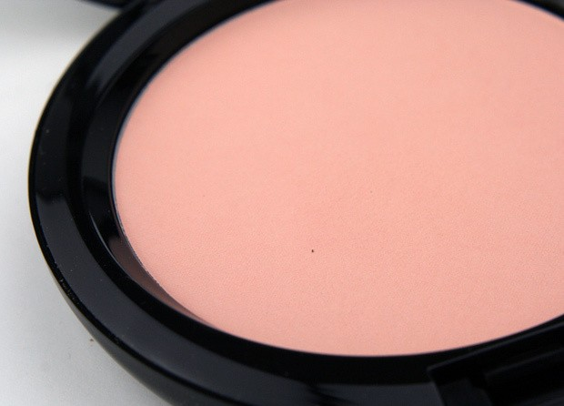 MAC Blush Poweder  Disney Maleficent  Natural